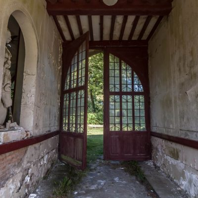 Carriage entrance