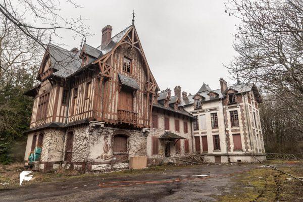 Elms castle